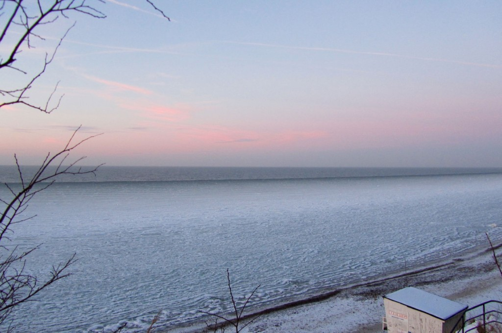 Gefrohrene Ostsee im Winter