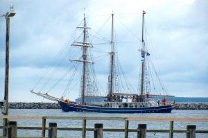 Segelschiff in Warnemünde