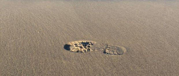 Fussabdruck am Sandstrand von Rerik