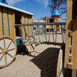 Kletter-Spass für Kinder auf dem Spielplatz in Kühlungsborn